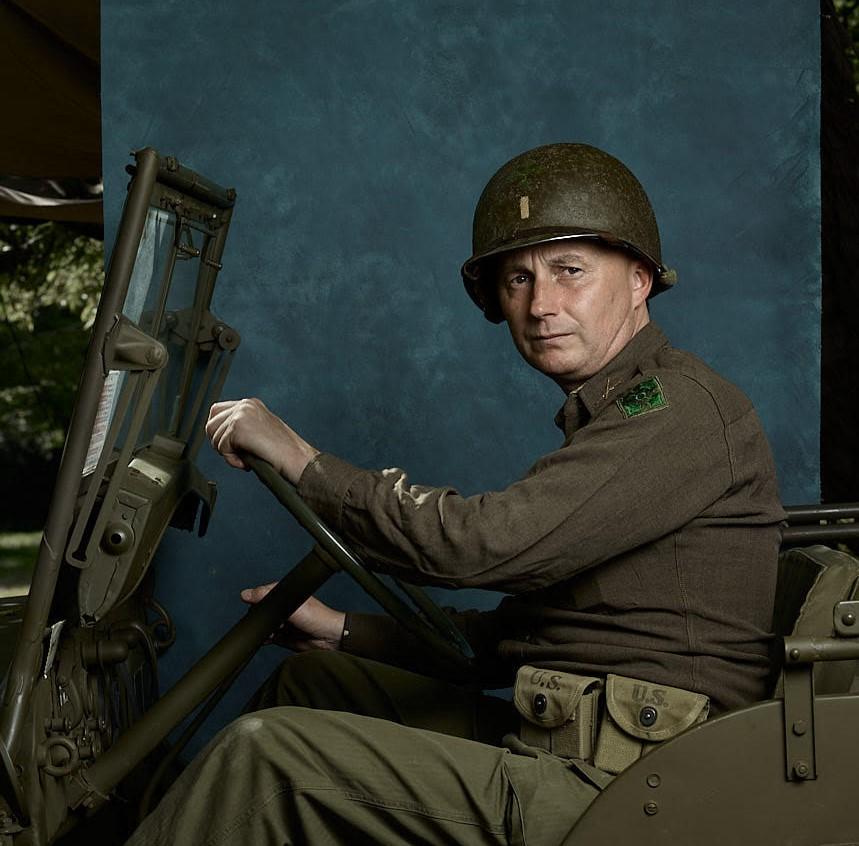 Lieutenant Vince officier terrain